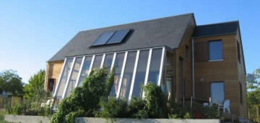 construire une maison bioclimatique radio m lodie. Black Bedroom Furniture Sets. Home Design Ideas